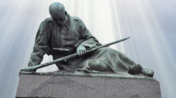 Андрей Николов, болгарская скульптура, памятник воинам, павшим в сербско-болгарской войне 1885 года