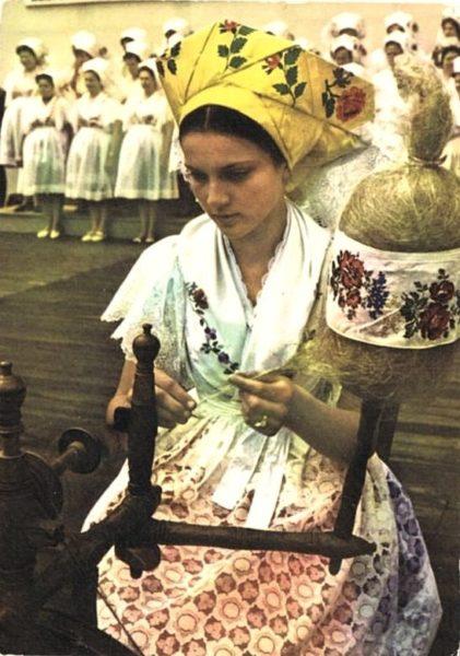 Предшествовавшие свадьбе обычаи у лужичан в XIX-XX веках, свадьба, прялка, лужичане