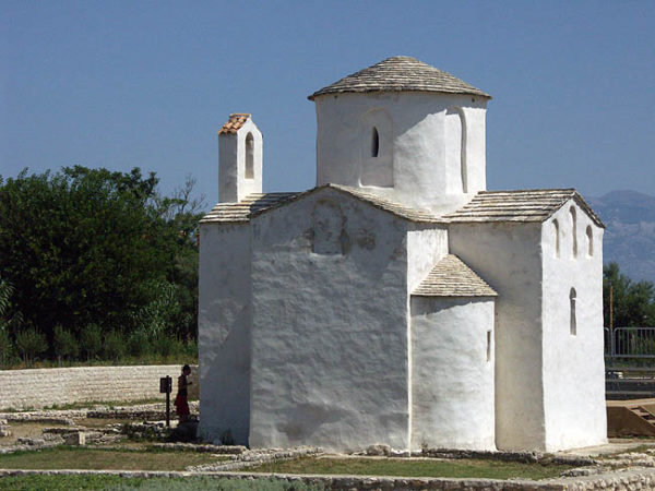 хорватская архитектура, Средневековье, Церковь св. Креста в Нине