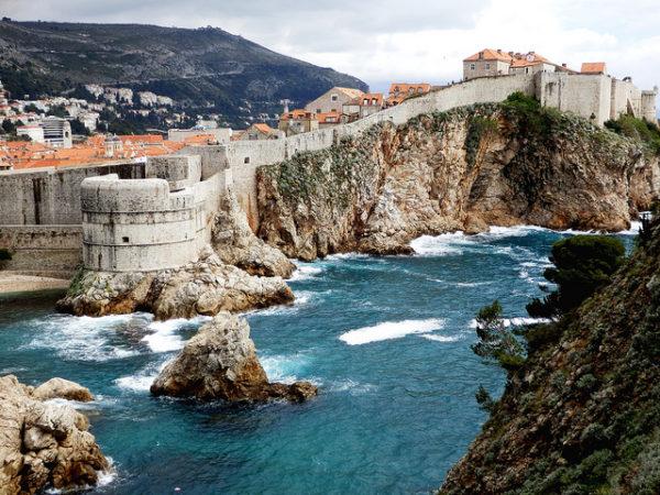 хорватская архитектура, крепостная архитектура, крепостные стены Дубровника