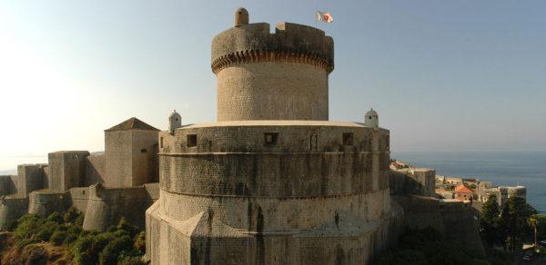 хорватская архитектура, крепостная архитектура, крепостные стены Дубровника, башня Минчета