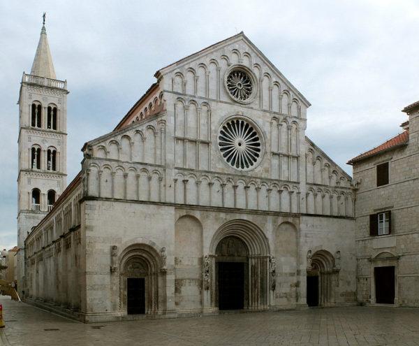 хорватская архитектура, романский стиль, кафедральный собор св.Анастасии