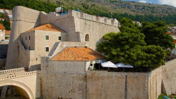 хорватская архитектура, крепостная архитектура, крепостные стены Дубровника, крепость Ревелин