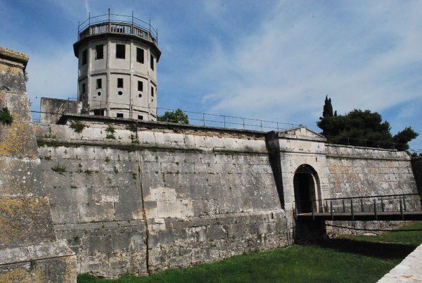 хорватская архитектура, крепостная архитектура, крепость Каштел